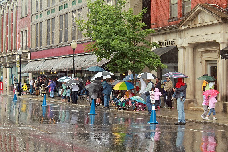 Rain didn't stop these parade watchers.