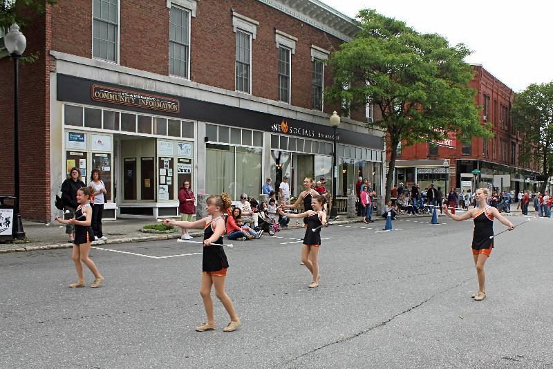 Newport Tigerettes Twirlers