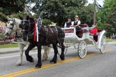 Peter Haynes horse-drawn carriage with Alumni members.